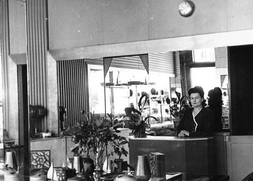 Une histoire - Antonia Bettant dans la pâtisserie