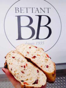 Notre nouveau pain le Cranby, découpé avec la tranche visible
